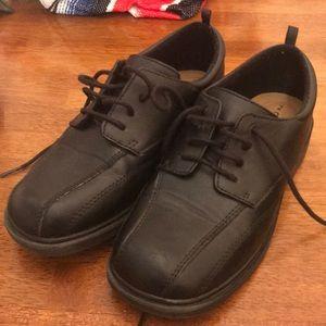George Boys Size 2 Black Lace Up Dress Shoes